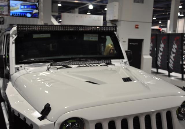 Dv8 Off Road Fiberglass Hood White Paintable Jeep